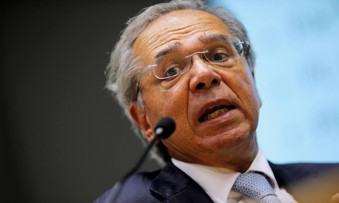 Governo avalia crédito com garantia do Tesouro a grandes empresas, diz Guedes