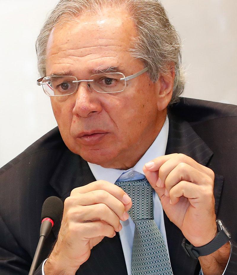 Guedes apoia ideia de 'passaporte da imunidade' para quando houver reabertura da economia