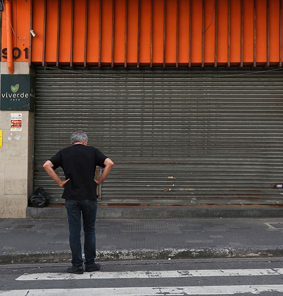 Em um dia, 200 mil lojistas pedem reabertura na cidade de São Paulo