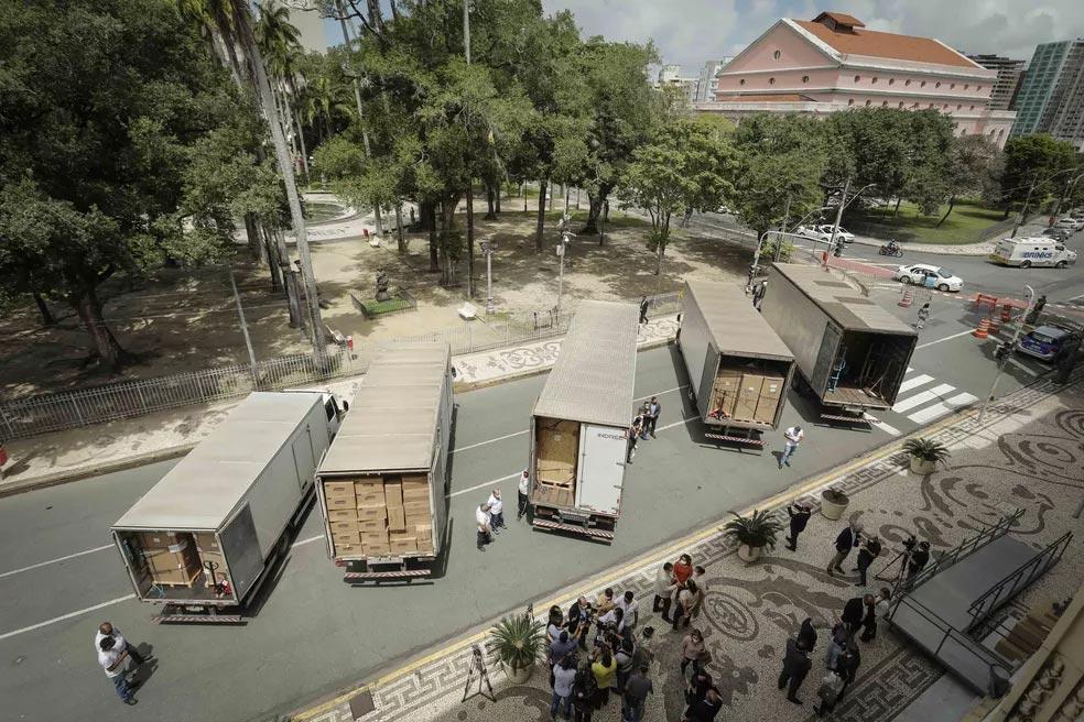 Três ultrafreezers e vários equipamentos foram doados por empresários ao governo de Pernambuco
